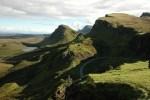 Schottland kann man mit einem Mietwagen auf eigene Faust erkunden und dabei eine Reise nach Skye unternehmen.