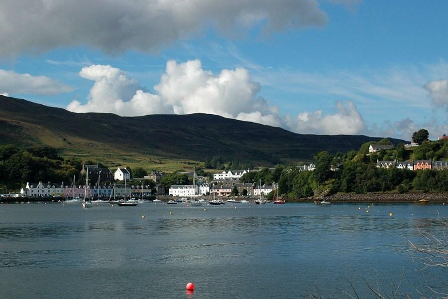 Reisetipps gibt es unendlich viele für Schottland, aber ein Tipp ist die schottische Insel Skye.
