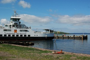 Seinen Schottlandurlaub kann man entspannt mit einer Fährfahrt nach Schottland beginnen.