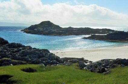 Einige Reisen führen auch zu den Small Isles in Schottland.