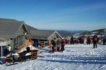 Im Winter kann man während einer Schottlandreise in den schottischen Highlands Skifahren.