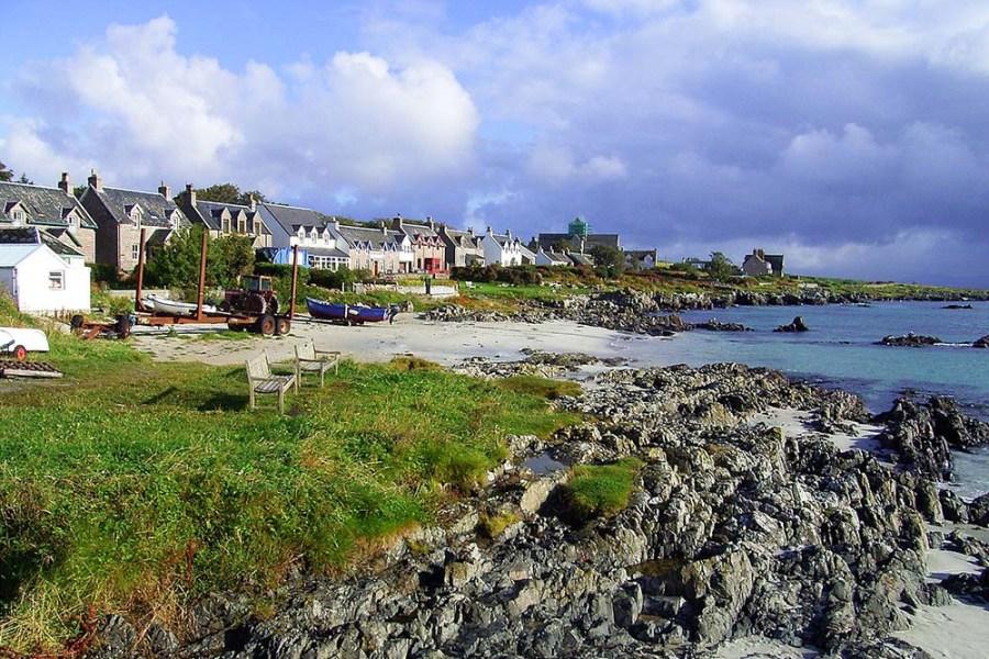 Die über Wind & Cloud Travel gebuchte Schottlandreise in Form einer Segelreise führt auch auf die Insel Iona.