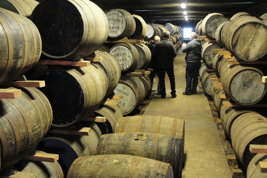Ein besuch des Warehouse der Balblair Distillery ist Teil unserer Whiskyreise.