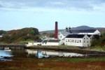 Die Lagavulin Distillery unserer Whiskyreise nach Islay gehoert dem Spirituosenkonzern Diageo.