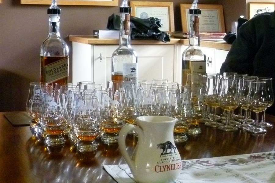 Auf dem Weg nach Inverness besuchen wir auf der Whiskyreise Clynelish Distillery im Norden Schottlands.
