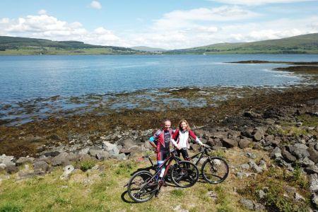 Diese Reise verbindet Segeln mit Mountainbiking in Schottland.