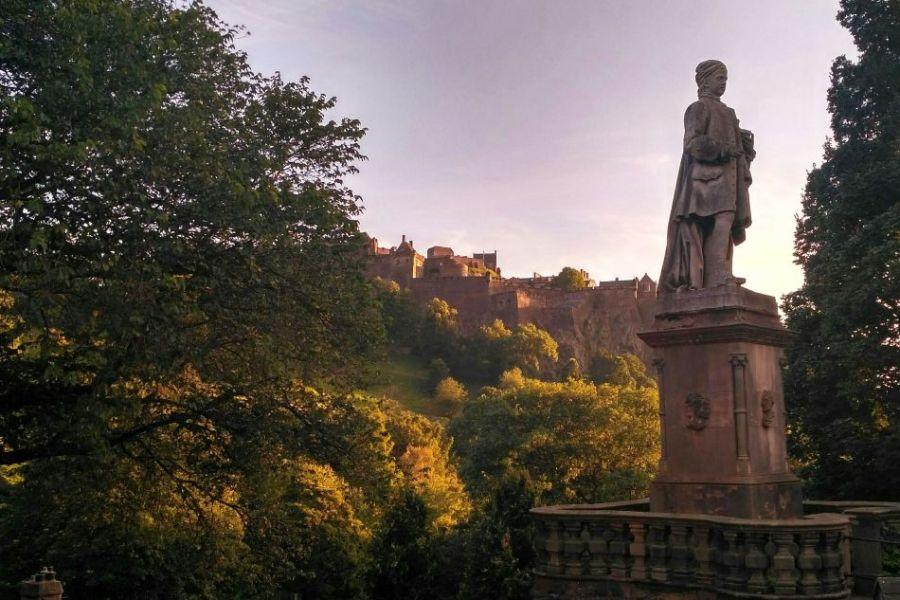 Besuchen Sie auf dieser Reise durch Schottland die Locations der Outlander Saga.
