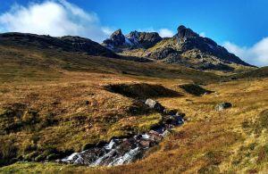 An der Westkueste in Schottland findet man wahre Bilderbuchlandschaften.