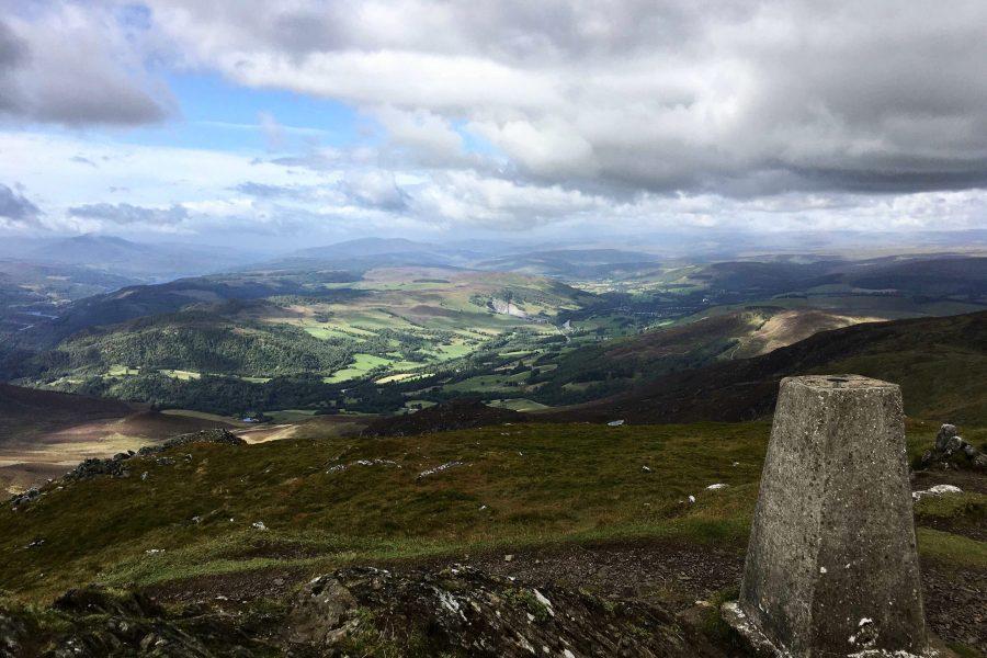 Ben Vrackie bietet eine atemberaubende Aussicht über die vielfältige Landschaft Schottlands.