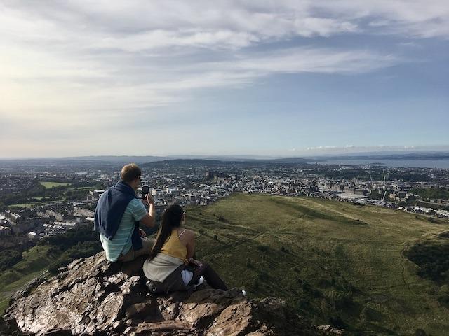 Die Kulturhauptstadt Edinburgh ist ein ideales Ziel für eine Standortreise in Schottland.