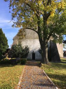 Ponickau, Kirche, Giebel