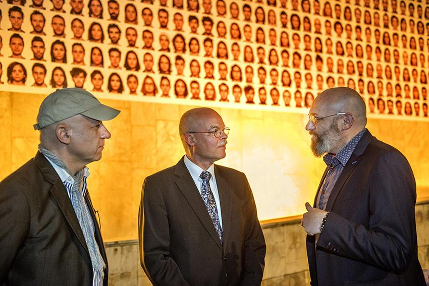 Roland Fischer, der deutsche Botschafter Dr. Clemens von Goetze und Prof. Assaf Pinkus (vlnr)