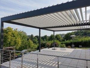 Drehbare Lamellen des Daches