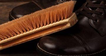 Salzflecken auf Schuhen entfernen