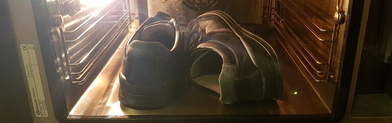 Nasse Schuhe im Backofen trocknen