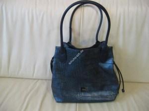 Diese royal blaue Tasche von Gabor ist ein MUSS