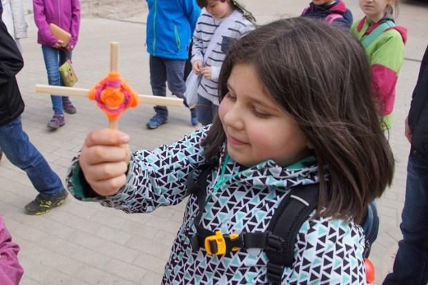 In der Gemeinde bastelten einige Kinder diese schönen Kreuze.