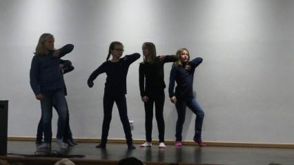 Tanz der Klasse 4b!