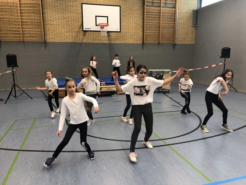 Schulkarneval_Eichendorffschule_2019 (1)