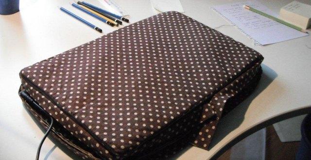 Laptoptasche aus gepunktetem Leinen nähen | Schurrmurr