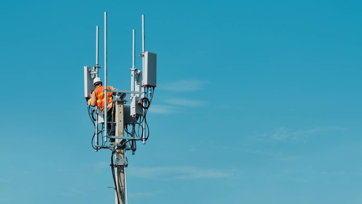 Montage eines 5G-Elements- Einhaltung des Grenzwerts ohne Gewähr