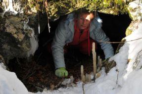 Výzdoba vo vchode Jaskyne nad Ižipovcami