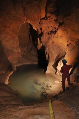 Jazierko na konci jaskyne, ktoré bude čerpané