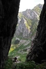Vchod do jaskyne je z oddenudovanej šachty