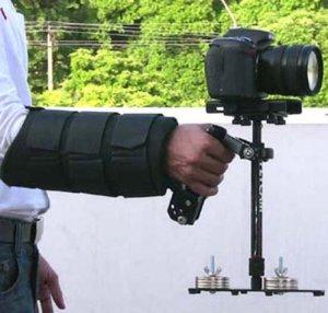 Schwebestativ-Test-mit-Armstuetze