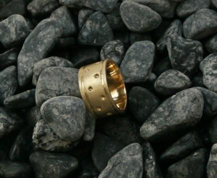 ring rlbras size 8.75 - 1