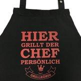 Hier grillt der Chef persönlich - Grillschürze, Kochschürze, Latzschürze mit verstellbarem Nackenband und Seitentasche - Grillkönig Edition - 1