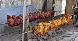 Kachelfleisch auf dem Drehspieß