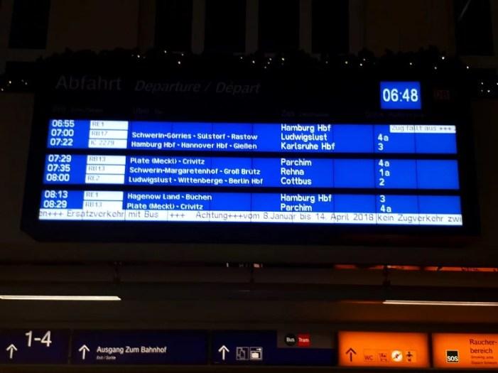 Bahnsperrungen fordern von Reisenden Geduld
