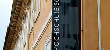 """Scherenschnitte in der Volkshochschule """"EHM WELK ausgestellt"""