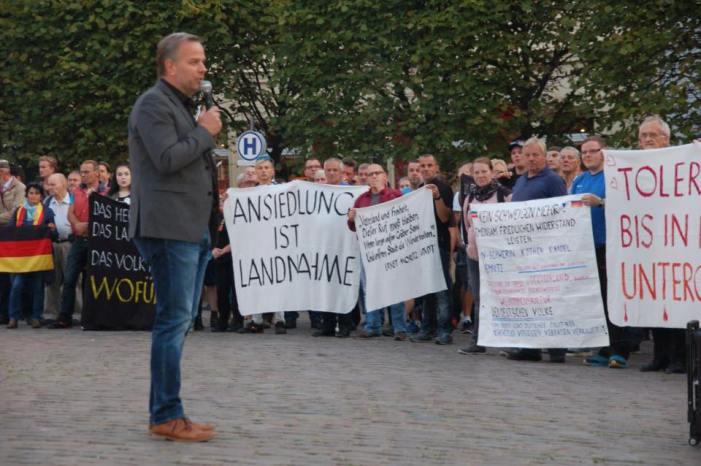 Demonstrationen kämpfen um Deutungshoheit in der Stadt