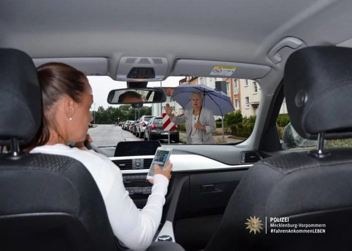 Telefonieren im Auto: Polizei Schwerin kontrolliert am Mittwoch im Stadtgebiet