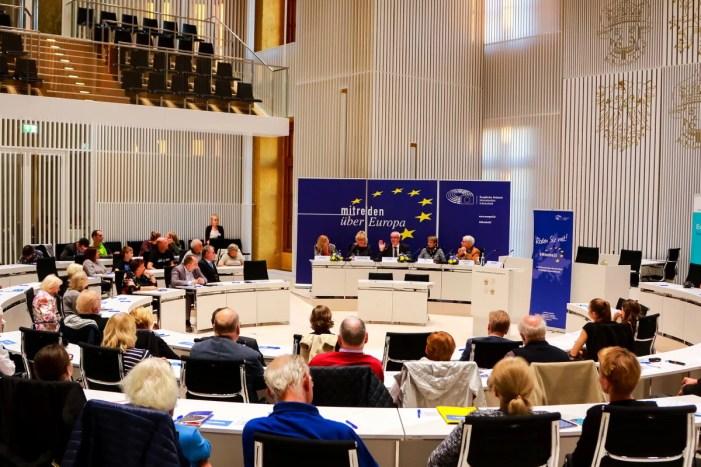 Die EU ganz nah in Schwerin: Bürgerforum diskutiert über Europa