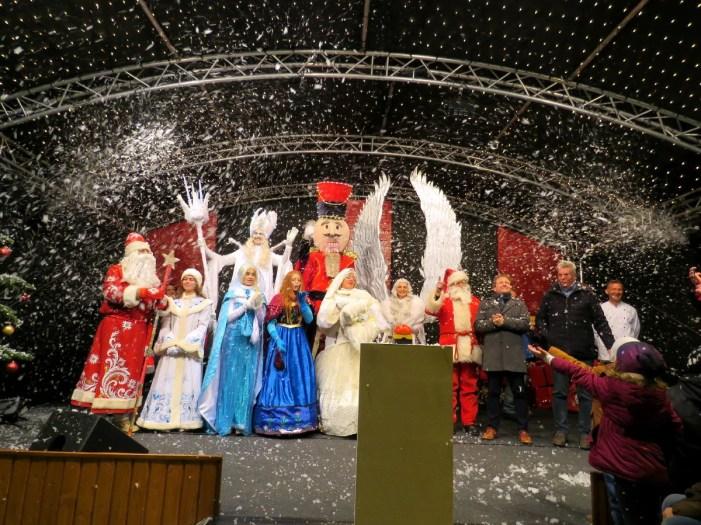Weihnachtsmarkt Schwerin: Weihnachtszeit ist eingeläutet