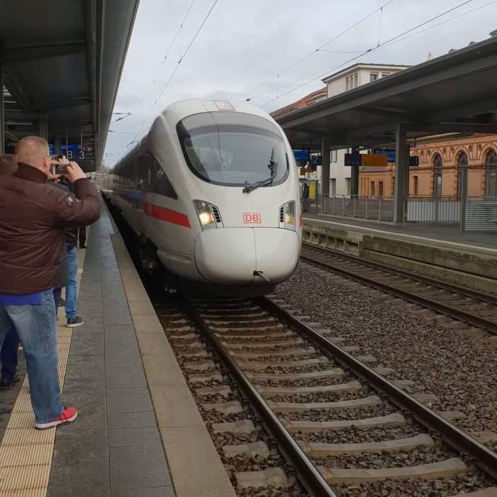 Erster ICE hielt in Schwerin