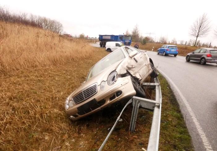 Auffahrt Friedrichthal: Unfall mit Personenschaden