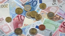 Schwerin: Keine Umsatzsteuer für Volkshochschule
