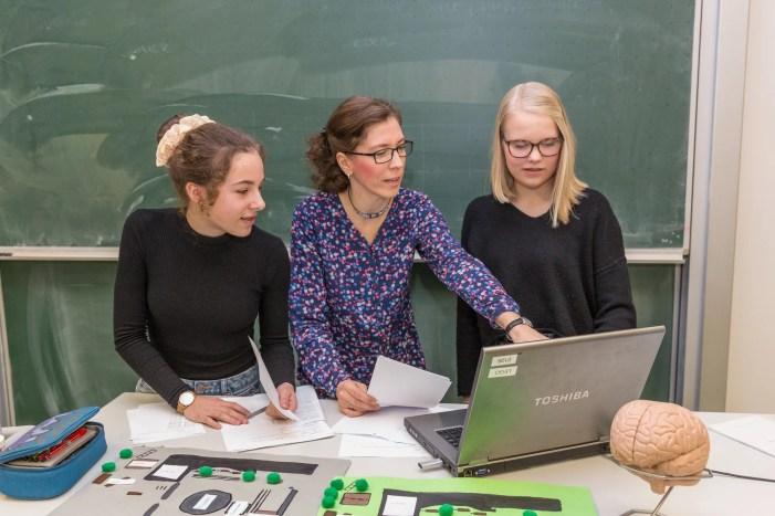 Schwerin: Jugend forscht – Schüler experimentieren