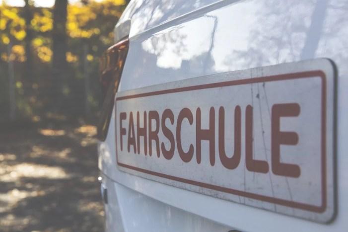 Schwerin: Heute öffnen die Fahrschulen wieder