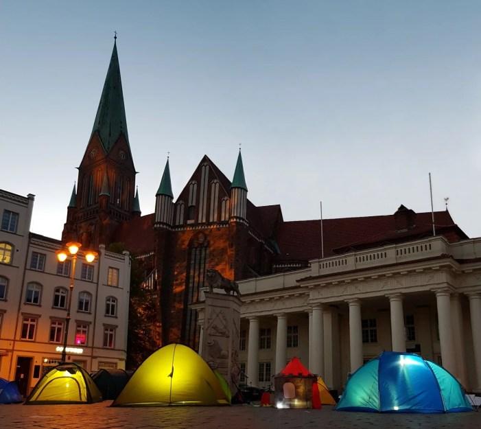 Schwerin: Lichterzelte zur Mahnung
