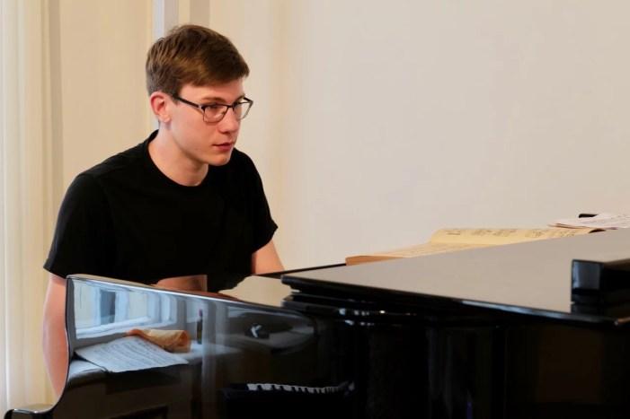 Schwerin: Das Duo Möbius (Klavier) / Spaethe (Violincello) tritt in Regensburg beim Wettbewerb der Sonderpreise an