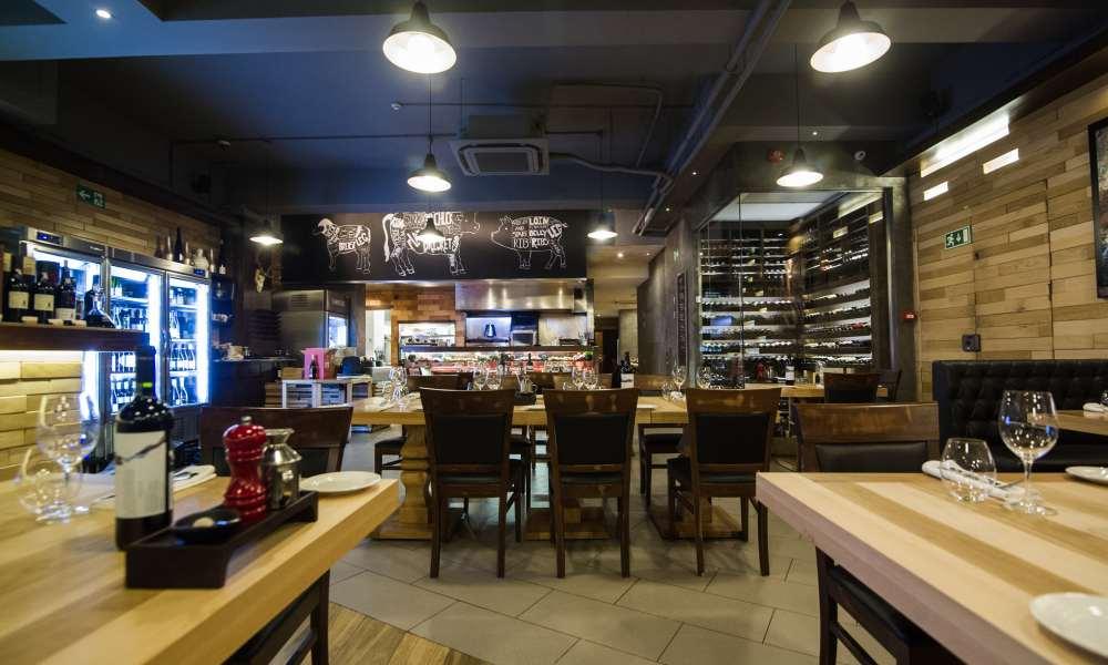 Understanding the Importance of a Restaurant's Furniture Setup
