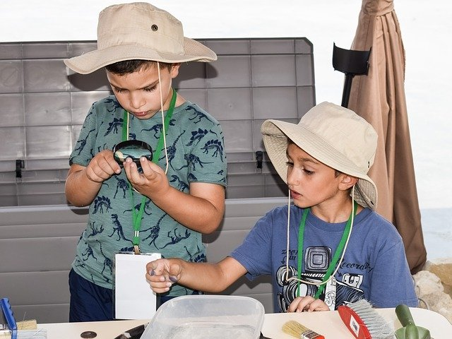 Little paleontologists learn about the scientific method by studying fossils.