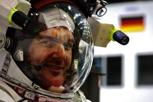 Gerst_blog_Kosmonautenanzug__klein_12612992344_056e285c8a_h