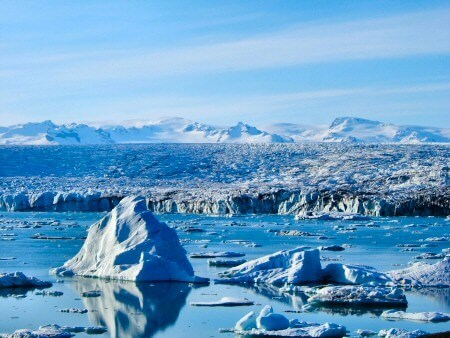 Glaciers sizzle as they disappear into warmer water