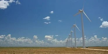 Large wind farms in certain areas of the U.S. appear to affect local land surface temperature, according to a UAlbany-led research team.